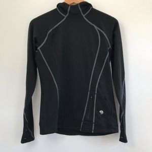 EUC Mountain Hardwear Black lightweight Hoodie